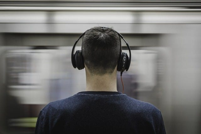 best noise cancelling travel headphones 2019
